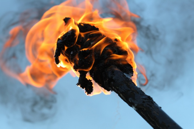 Такой факел будет гореть не менее получаса