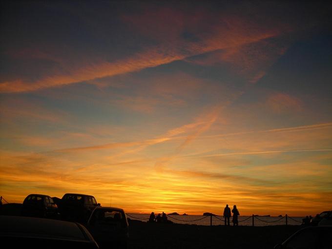 Рисовать закатное небо сложнее, но выглядит рисунок удивительно