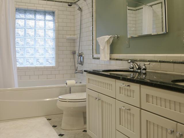 Самое приятное в ремонте ваной комнаты - это подбор и расстановка аксессуаров