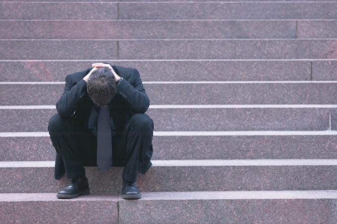 Дабы принудить человека тосковать, вы обязаны на какое-то время исчезнуть из его жизни