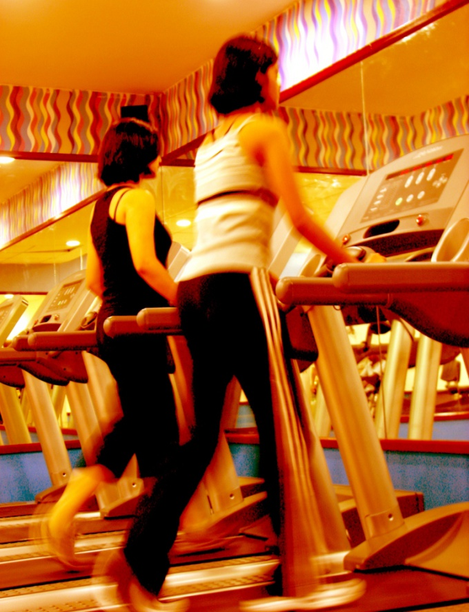 Moderate sports load good for slender legs