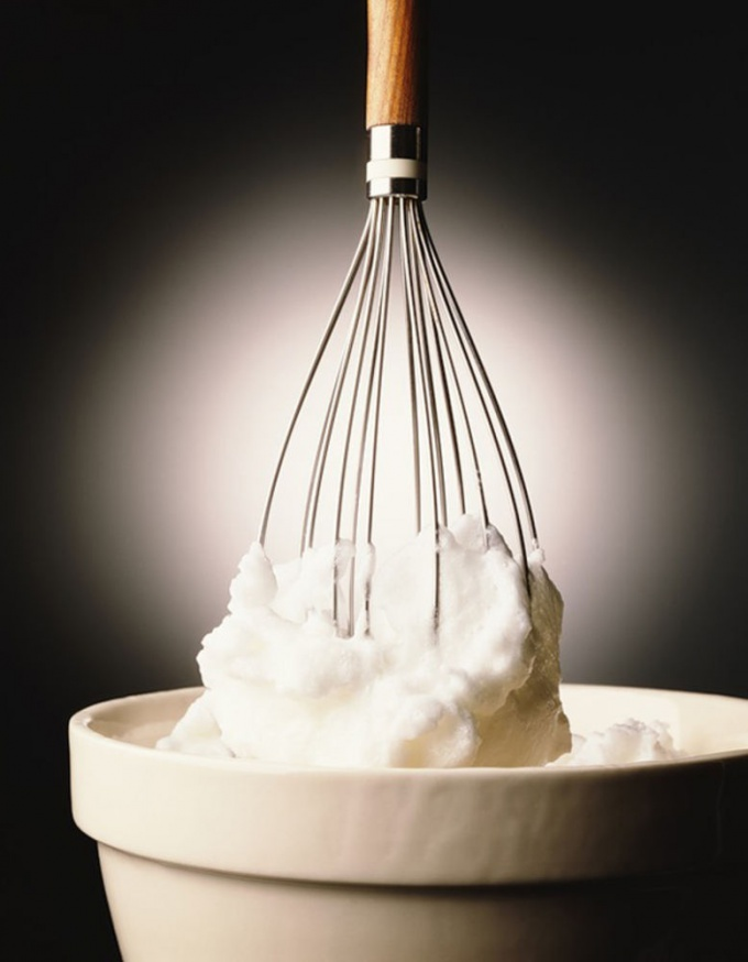 How to make whipped <strong>cream</strong>