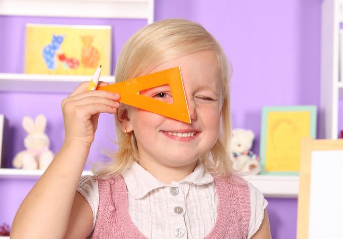 Как обнаружить угол в прямоугольном треугольнике