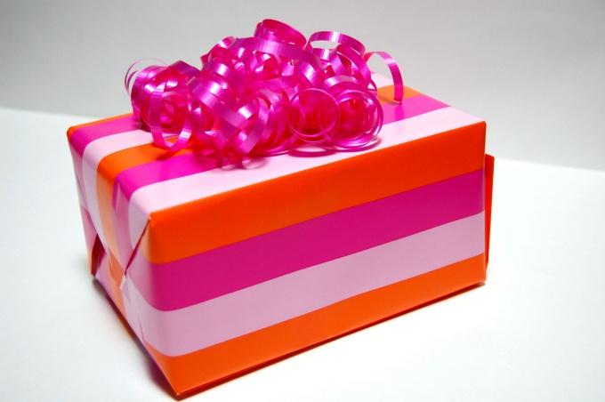 Упаковка вызывает интерес к подарку