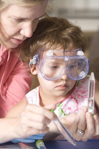 Домашняя химическая лаборатория - ценный опыт