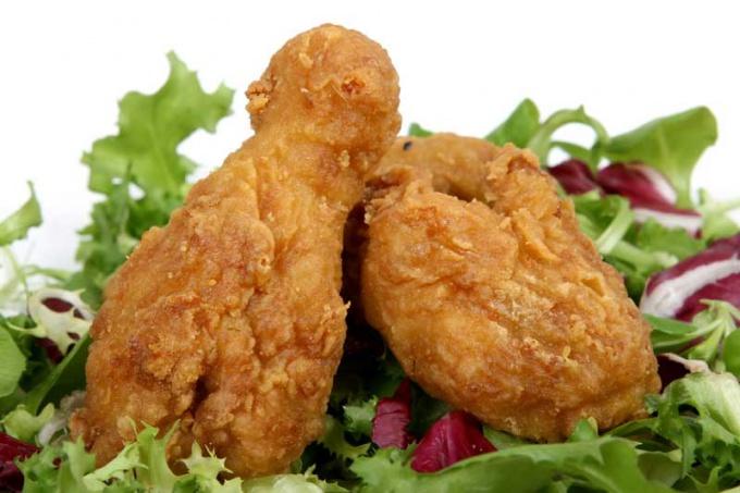 Курицу в корочке можно приготовить и без жира