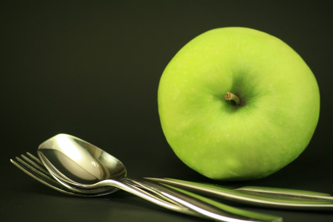 Если есть яблоки по утрам, можно избавиться от шлаков