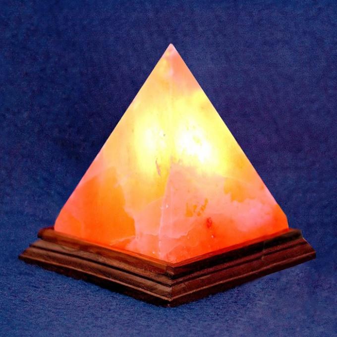 Самостоятельная фигура пирамиды широко используется в геометрии и черчении
