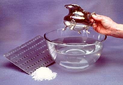 Чистить серебро нужно регулярно