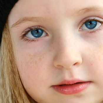 How to make blue eyes in photoshop
