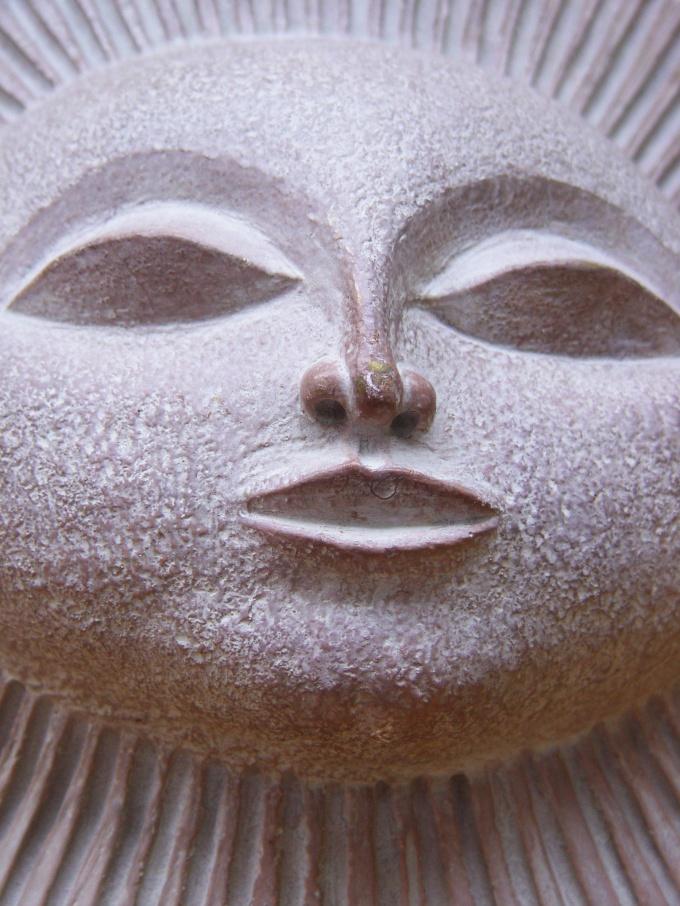 Из глины можно делать не только такие маски