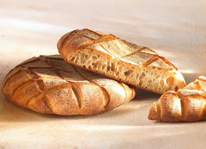 Хлеб с ароматным мякишем и хрустящей корочкой – всегда желанный гость к столу