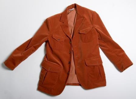 Существует уйма моделей пиджаков. Для начала предпочтете самую примитивную