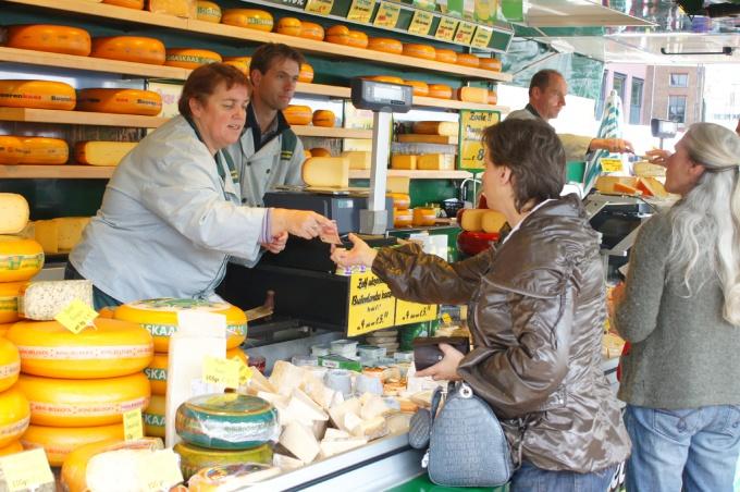 Хорошая работа продавца поможет увеличить продажи магазина