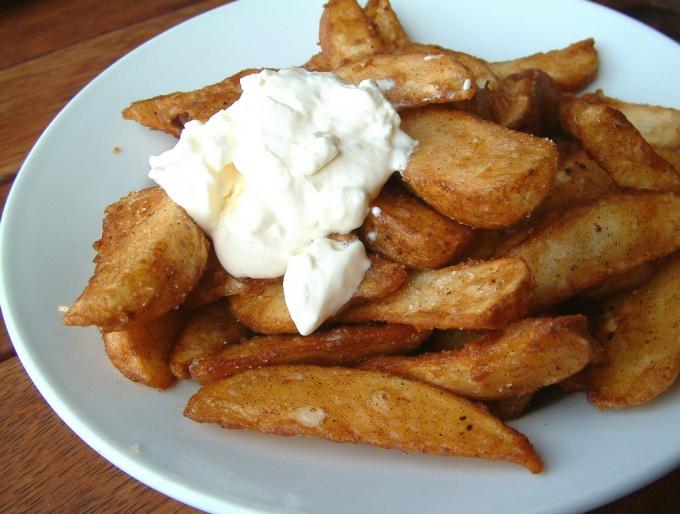 Домашняя сметана и картофель