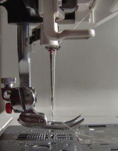 Сшить абажур можно на обычной швейной машинке
