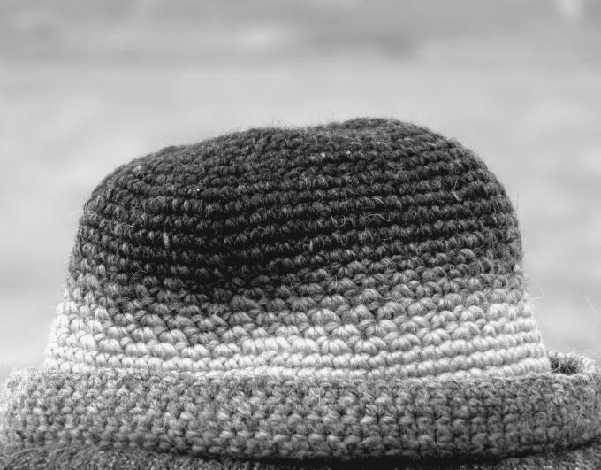 Шерстяные шапки можно стирать только вручную