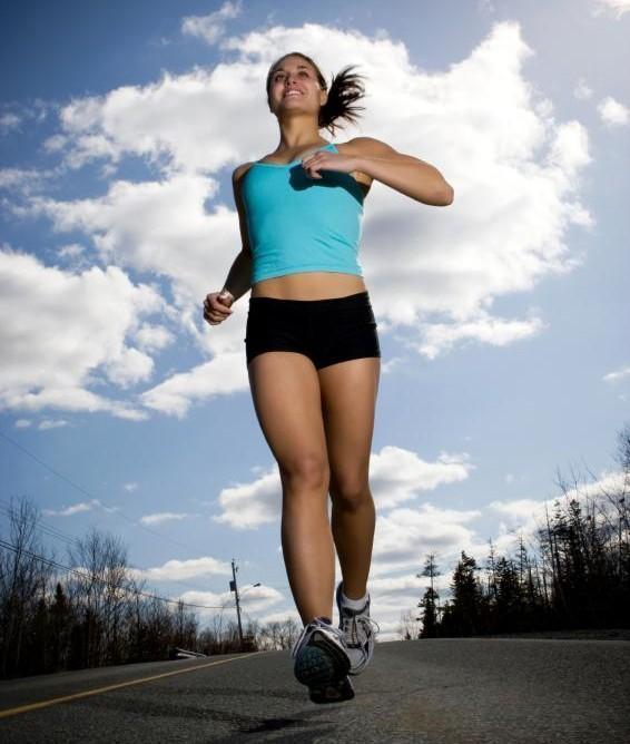 Как заставить девушку бегать
