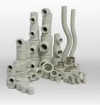 различные элементы в конструкции водопровода.