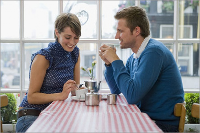 Relax and listen carefully to the interlocutor, it helps you to easily support any conversation.