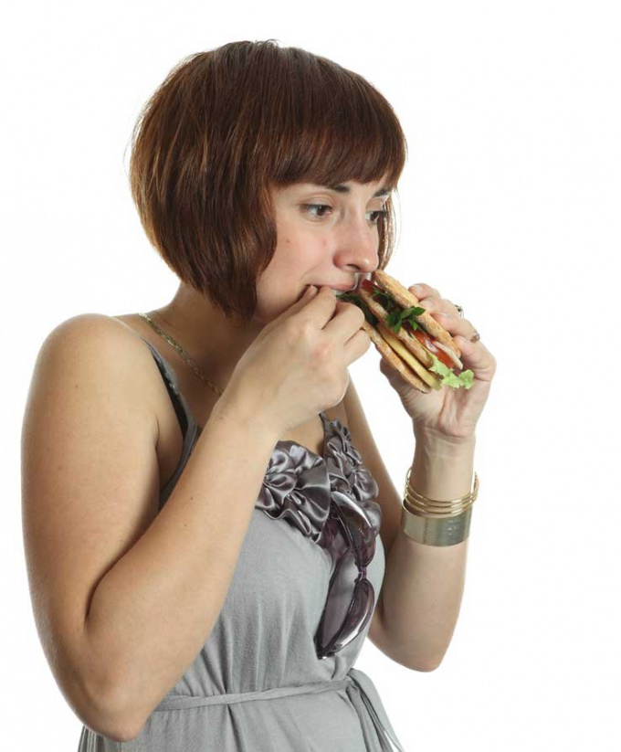 Научитесь отличать голод от желания полакомиться