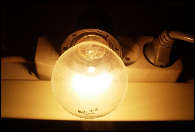 Опыт нужен даже в таком, казалось бы, несложном деле, как замена лампочки