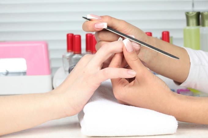 Как отрастить ногти быстро