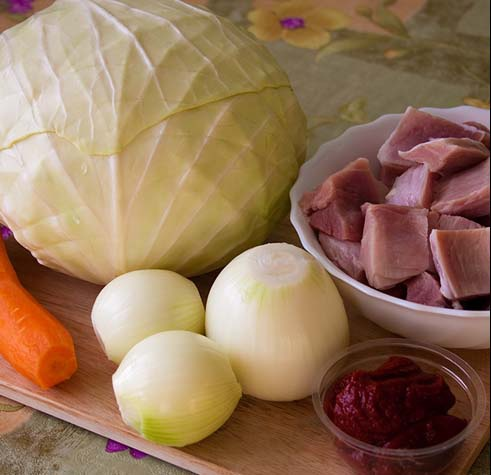 How to stew cabbage with meat