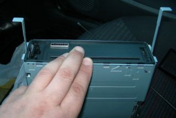 Removing the radio from the frame keys