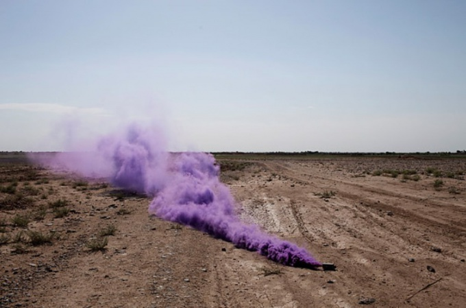 Экспериментируйте с красителями, дабы получить дым иного цвета