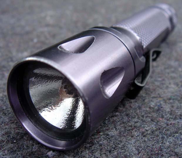 Как включить фонарик