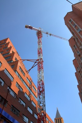 Монтажная пена повсеместно используется при строительстве зданий