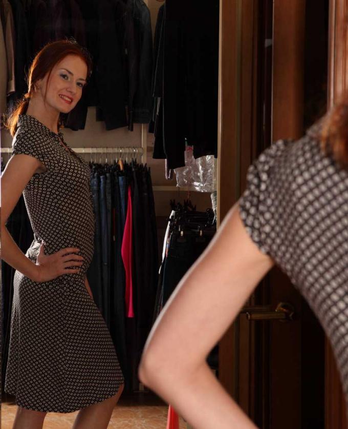 Одежда должна подчеркивать достоинства женской фигуры.
