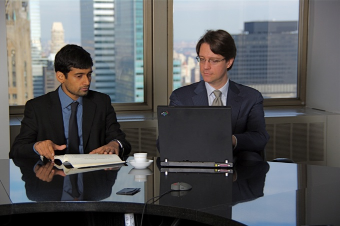 Оптимальная линия поведения в общении с руководителем - строгое соблюдение стандартов общепринятой деловой этики