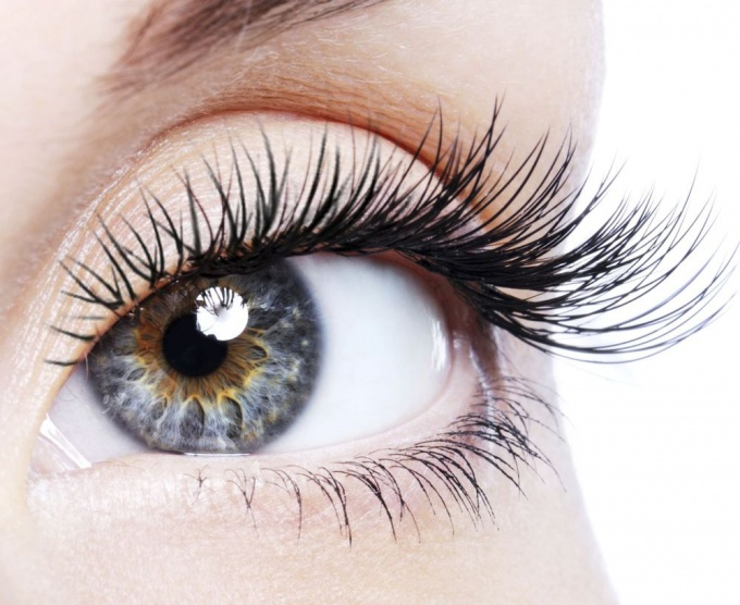 How to remove extensions yourself <strong>eyelashes</strong>