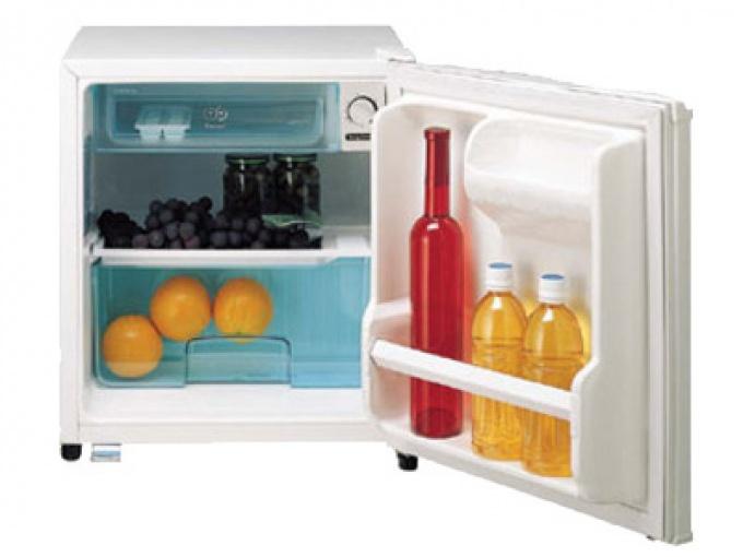 Как избавиться от неприятного запаха в холодильнике