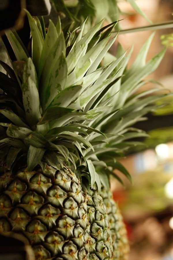 Цвет ананаса ничего не говорит о степени его зрелости