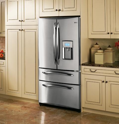 Встроенный холодильник становится гармоничной частью кухонного гарнитура