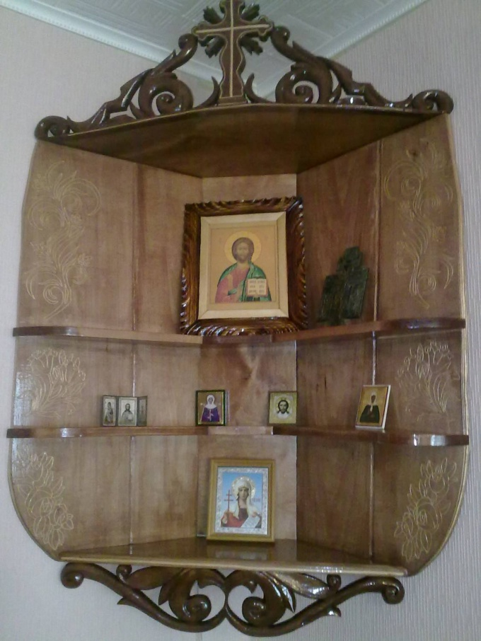 Иконам необходимо свое место в квартире