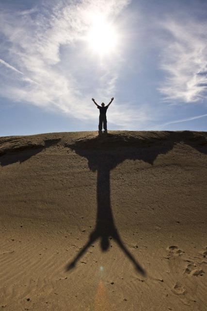 Принимать жизнь и все ее проявления - это под силу только человеку, сильного духом.