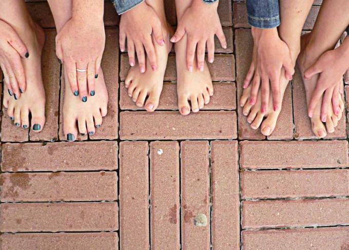 Отеки на ногах могут появиться у любого человека