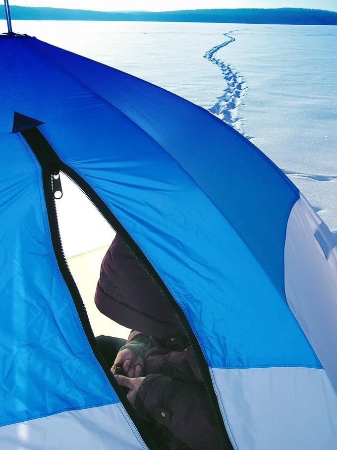 Зимняя рыбалка считается одним из самых популярных хобби многих людей