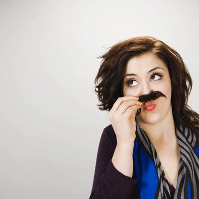 Усики над губой легко могут стать причиной отчаяния молодой женщины
