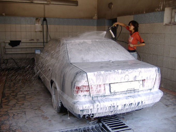 Как помыть машину зимой