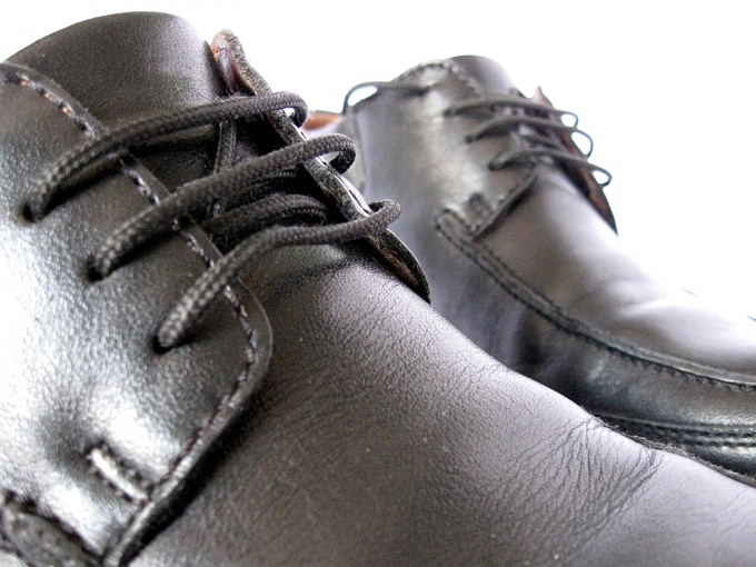 How to restore shoes