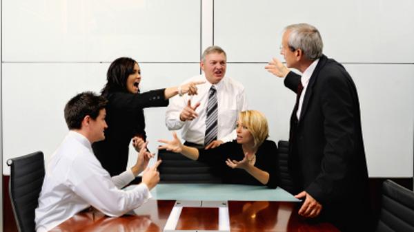 Конфликты порождают бурные дискуссии.