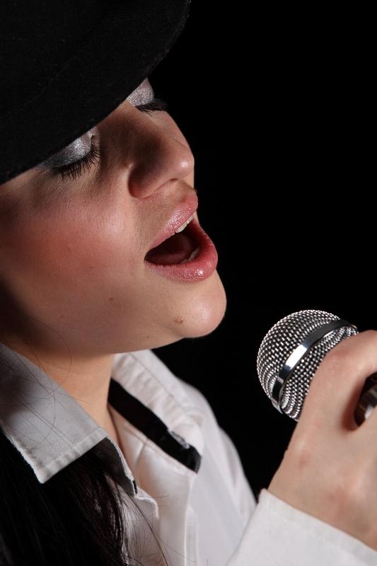 Как научиться петь высоко