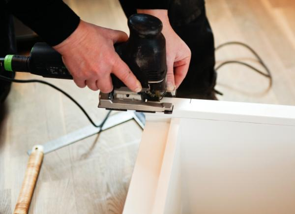 Делая мебель, важно не спешить и действовать поэтапно