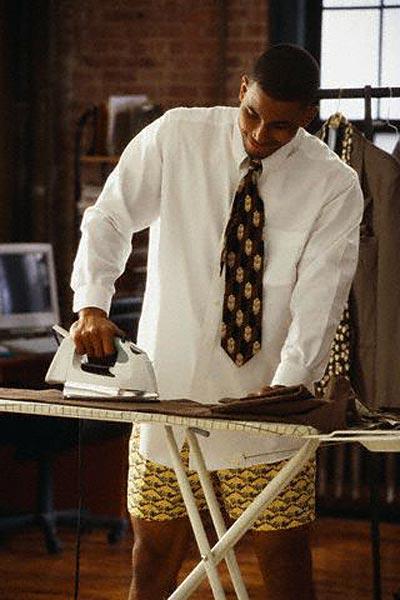 Как погладить брюки?
