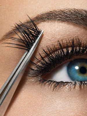 How to stick bunches of eyelashes
